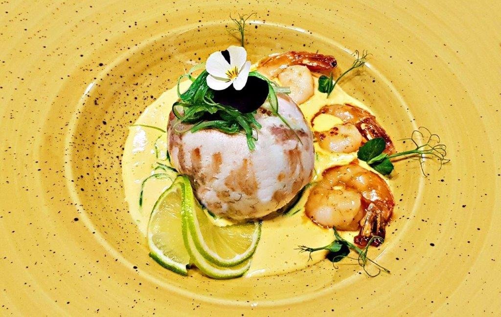 Sea Bream Pearl Filled with Shrimps and Vegetables in Porto Sauce